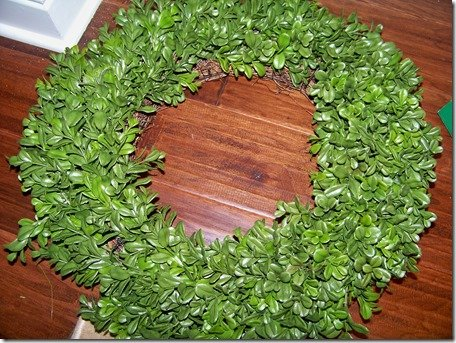 Basic boxwood wreath