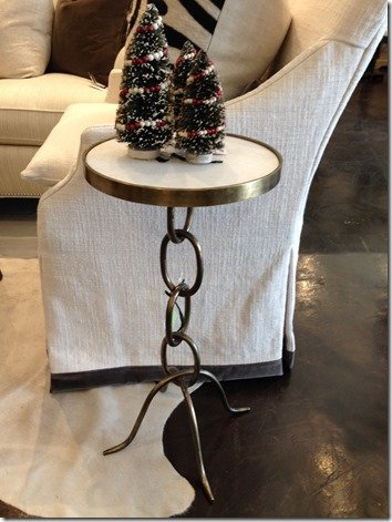 Stacked Link Accent Table